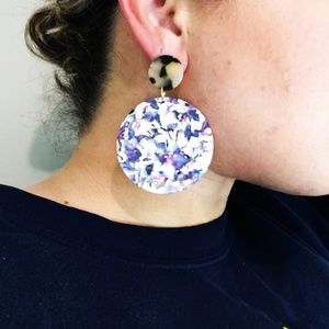 CLOSET REHAB Jewelry - Circle Drop Earrings in Purple with Blond Tortoise